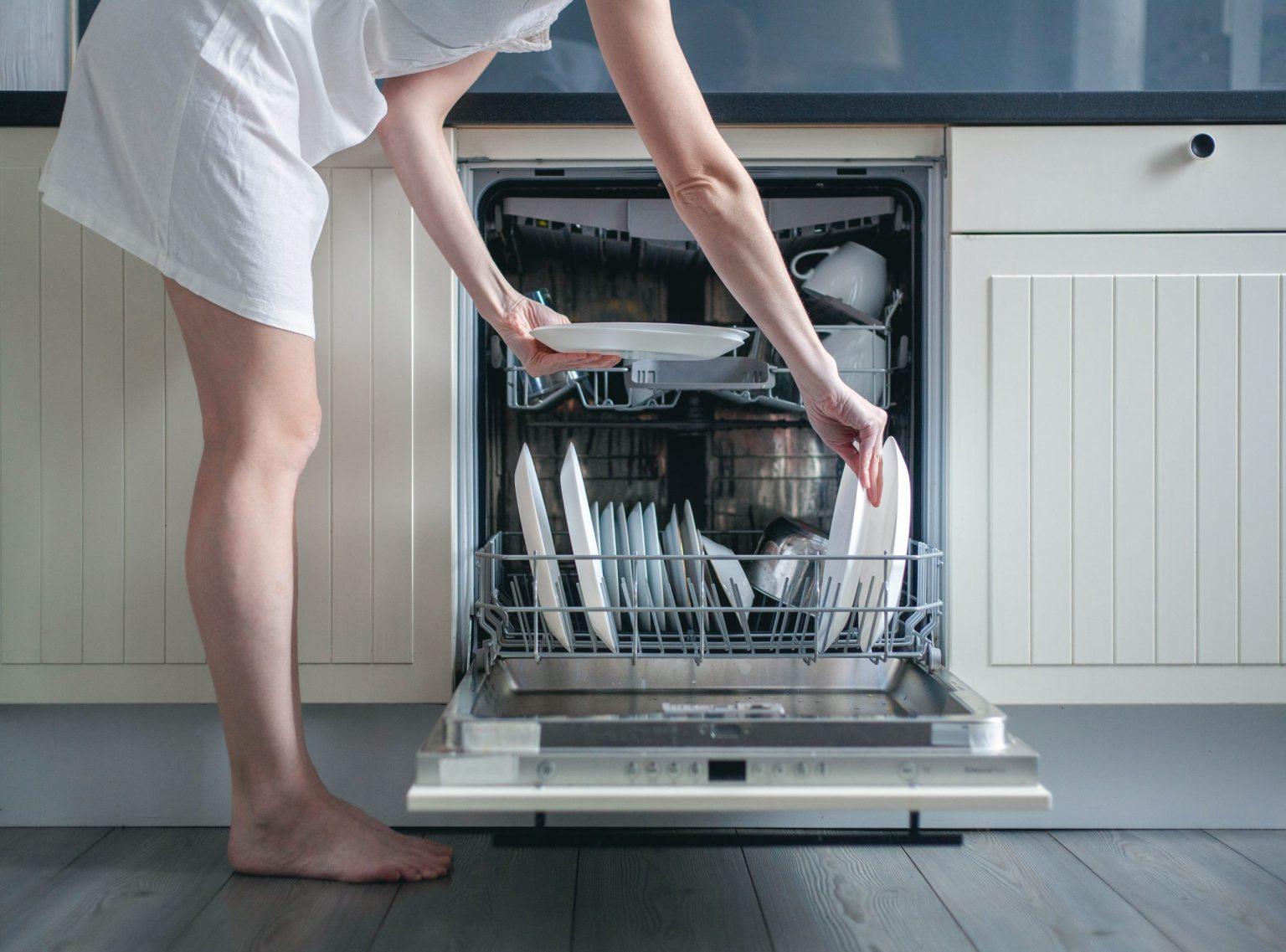 Comment utiliser les programmes de mon lave-vaisselle ?